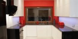 kuchnia-nowoczesna-bialy-czarny-czerwony-008-03