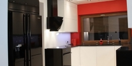 kuchnia-nowoczesna-bialy-czarny-czerwony-008-05