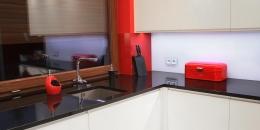 kuchnia-nowoczesna-bialy-czarny-czerwony-008-06
